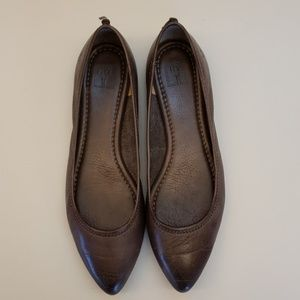 Frye Regina Brown Leather Flats